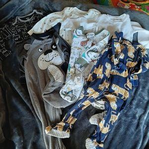 Size 12 month Carters 3 footie pajamas 3 onesies